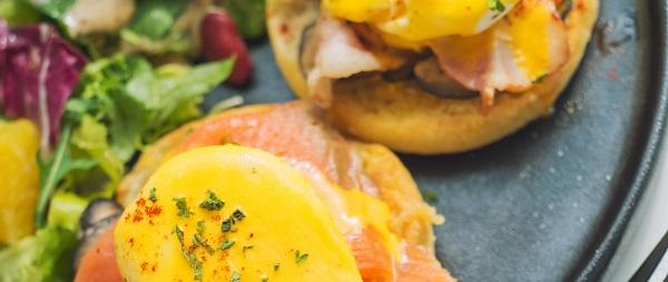 kött fisk och ägg med naturligt innehåll av b12