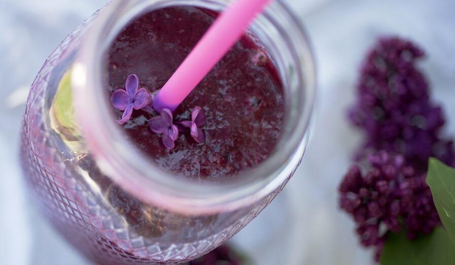 rödbetsjuice i en smoothie